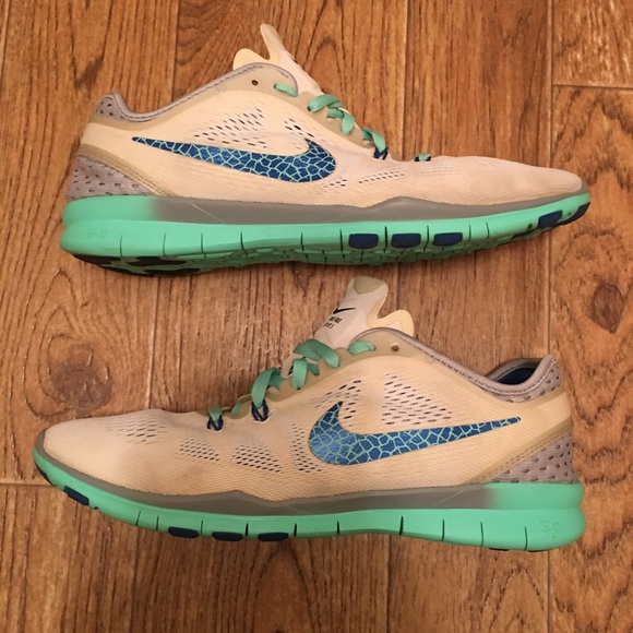 separation shoes d0625 9c431 Nike Shoes | Free Tr Fit 5 Womens Athletic Used | Poshmark